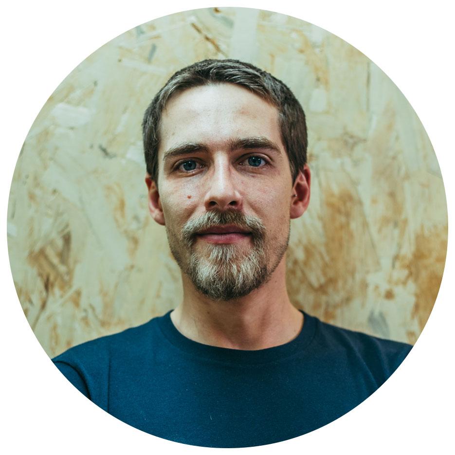 Adrien Desrues, ébéniste, créateur de mobilier
